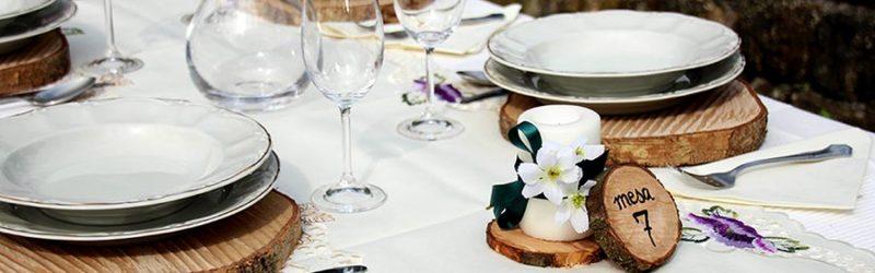 Ideas para decorar la mesa de boda con madera